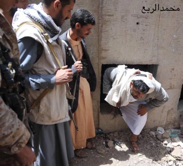 هذة الصورة التى علق عليها الفنان محمد الربع بشكل ساخر  على محمد على الحوثي